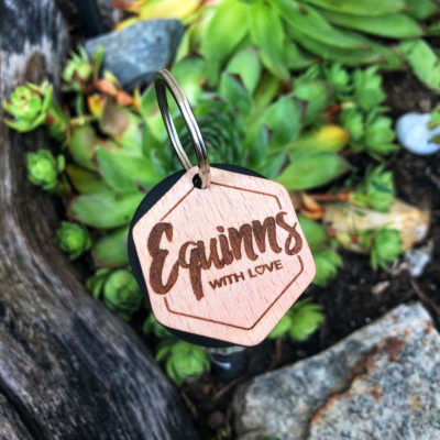Přívěšek Equinns dřevěný